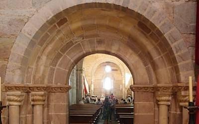El gobierno permite el acceso a lugares de culto