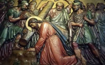 ¿No vas a rezar el Via Crucis?